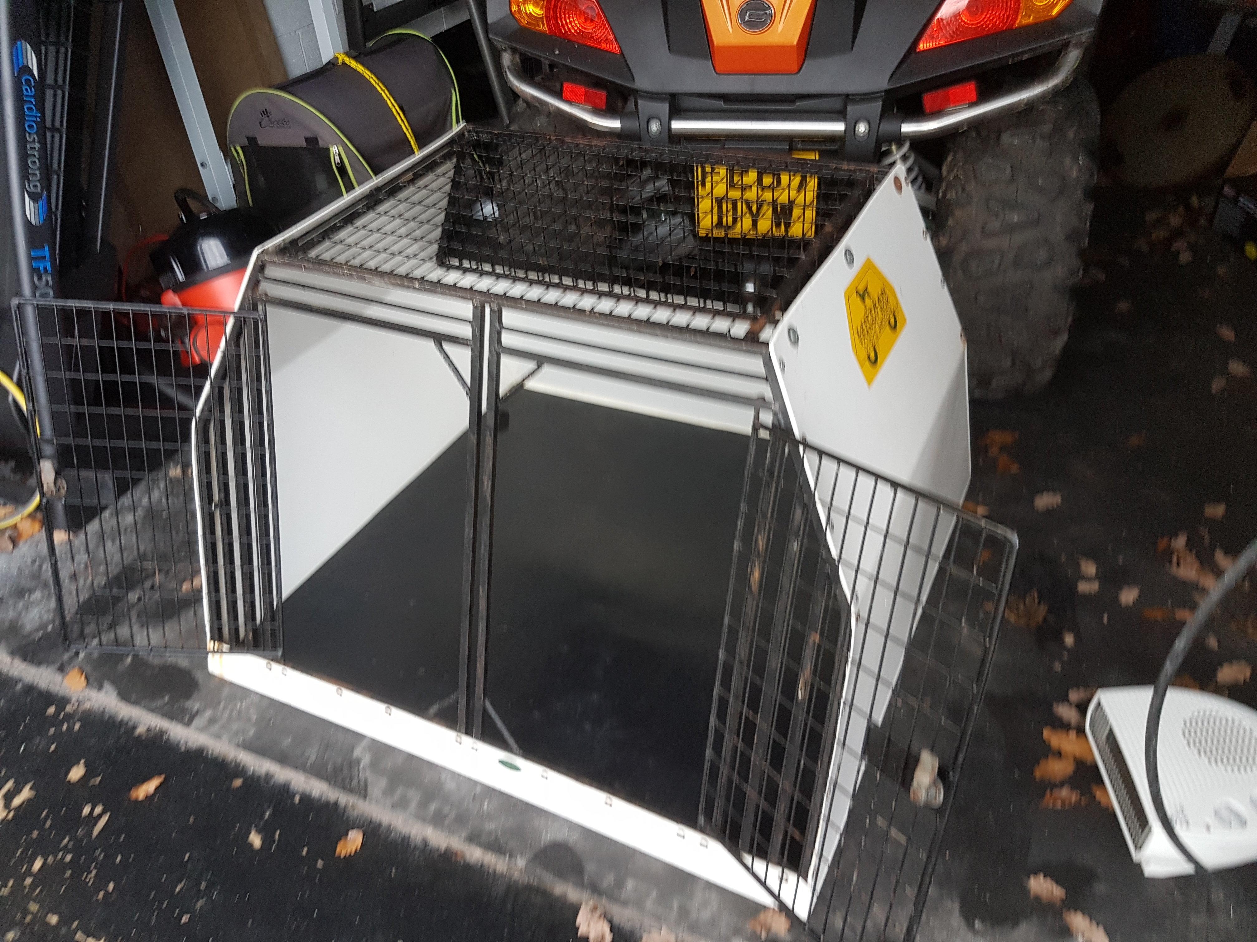 Large Lintran dog box