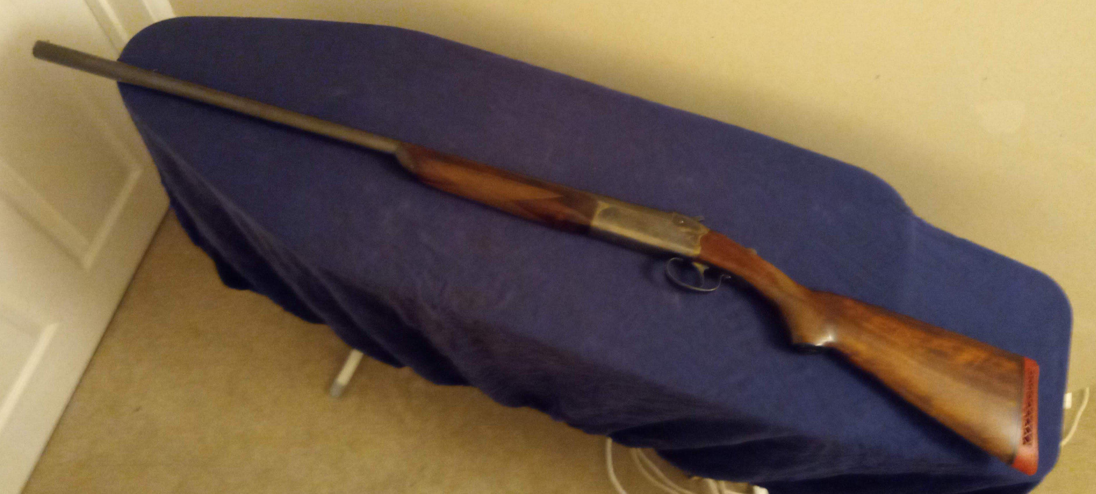 2 shotguns