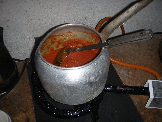 2146596443_CookingTomatoPaste.jpg.32780ce3dc404032b563b465371f3185.jpg